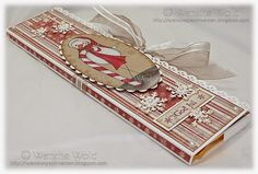 A more  three dimensional version of the chocolate card by Wenches Kort og Papir where a bit of the chocolate can be seen.