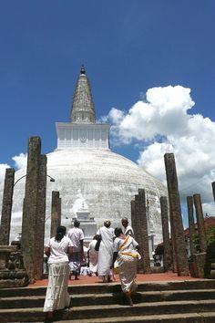 Budhist stupa, Anuradhapura - Sri Lanka