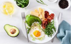 A zero-carb diet effectively eliminates all carbs. This article tells you everything you need to know about a no-carb diet, including benefits, downsides, and foods to eat and avoid. Keto Vs Low Carb, Zero Carb Diet, Keto Diet Plan Menu, Diet Meal Plans, Diet Food List, Food Lists, Best Keto Diet, Dukan Diet, Keto Diet For Beginners