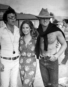 """SYDNEY POLLACK nacía el 1-Julio-1934. (Fotografiado con B.Streisand y R.Redford en el rodaje """"Tal como éramos""""-1973-)"""