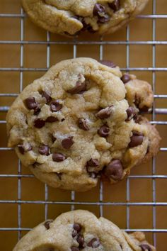 Salty Browned Butter Chocolate Chip Cookies from Lauren's Latest. Cookie Desserts, Just Desserts, Cookie Recipes, Delicious Desserts, Dessert Recipes, Yummy Food, Delicious Cookies, Brownie Recipes, Dessert Ideas
