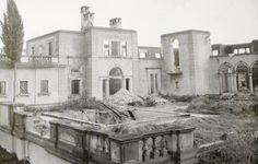 "Norma Desmond's ""Sunset Boulevard"" mansion in '57"