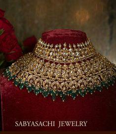 The classic Sabyasachi bridal choker. Set in gold, uncut diamonds, Japanese cultured pearls and Zambian emeralds. Indian Bridal Jewelry Sets, Indian Jewelry Earrings, Gold Jewellery, Bridal Jewellery, Choker Jewelry, India Jewelry, Vintage Jewellery, Antique Jewelry, Emerald Jewelry