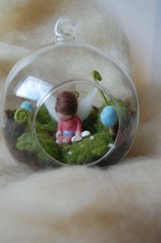 I love this! Wool Dolls, Felt Dolls, Felt Mushroom, Felt Angel, Waldorf Crafts, Waldorf Dolls, Needle Felting Tutorials, Felt Fairy, Felt Mouse