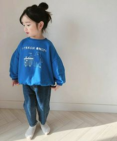 Ulzzang blue Don't Purchase A Fireplace Until You Read This Have you decided the allure of a warm, t Vintage Kids Fashion, Black Kids Fashion, Kids Winter Fashion, Baby Girl Fashion, Toddler Fashion, Fashion Children, Baby Outfits, Outfits Niños, Cute Outfits For Kids