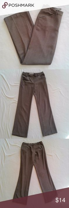 """Studio M High-rise, Wide-leg Brown Trousers Studio M Pants: - Trouser/slacks/dress pants style - High-waisted (sits at natural waist) - Wide leg, drapes beautifully - Two front pockets - Coffee color with flecks of cream in a tweed-like weave pattern - Fabric is 70% polyester, 27% rayon, 3% spandex - There is a small amount of pilling near the belt loops and pockets (pictures 5&6) - Good condition!  Approx. Measurements: - Waist=30"""" - Inseam=32"""" - Rise=9"""" Studio M Pants Trousers"""