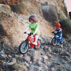 Hoy tarde de fotos! #bike #rocks #playmobil