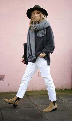 Fashion Me Now scarf hat street style acne boots / A Smart Trick For Making Sure Your Outfits Are Always Amazing Fashion Me Now, Look Fashion, Fall Fashion, Classy Fashion, Fashion Weeks, Petite Fashion, Paris Street Fashion, Latest Fashion, Fashion Trends