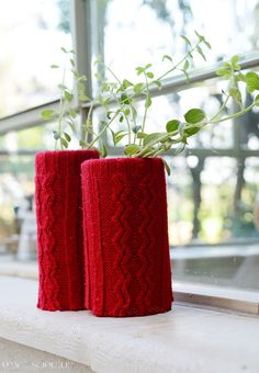 חותלות לאגרטל משרוולים של הסוודר האדום