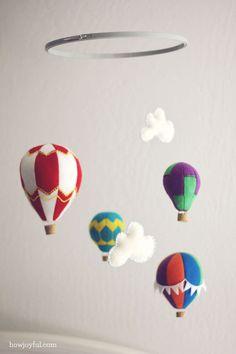"""móvil de globos de aire y nubes... para """"futuros"""" proyectos :)"""