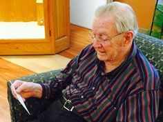 90-Year Old WW II Veteran Tearfully Reads a Letter He Sent in 1945 to the Love of His Life