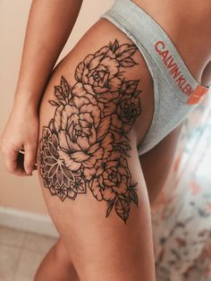 tattoo, tattoo if you are thinking of getting a tattoo, choosing your design that you like can be a . - Tattoos For Women Small Unique Hip Tattoos Women, Tattoos For Women Small, Small Tattoos, Tattoo Women, Mini Tattoos, Body Tattoo For Girl, Good First Tattoos, Tattoo E Piercing, Piercings