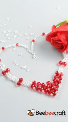 Handmade Wire Jewelry, Beaded Jewelry Designs, Seed Bead Jewelry, Bracelet Crafts, Jewelry Crafts, Seed Bead Crafts, Bee Crafts, Thread Jewellery, How To Make Beads