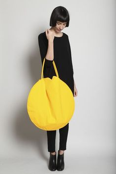 Women's Bags : Picture Description Yellow Circle Bag // Draft by Jasmin Shokrian - Lv Bags, Purses And Bags, Street Mode, Sacs Design, Mellow Yellow, Big Yellow, Yellow Bags, Color Yellow, Round Bag