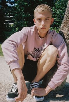 - Artist, Creative Director, Menswear Stylist — MISBHV x Ehebly Amsterdam Unisex Fashion, Mens Fashion, Streetwear, Chica Cool, Cool Outfits, Casual Outfits, Popular Sneakers, Inspiration Mode, Character Inspiration