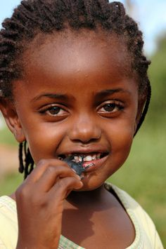 Kenyan Girl - she's gorgeous!