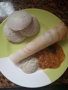 Dosa n idli with Sambar n Chutney