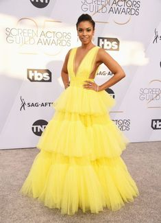 Susan Kelechi Watson In Christian Siriano - The Most Daring Red Carpet Dresses At The 2019 SAG Awards - Photos Plunging V Neck Dress, Junior Formal Dresses, Evening Dresses, Prom Dresses, Saag, Haute Couture Dresses, Sag Awards, Tulle Gown, Red Carpet Looks