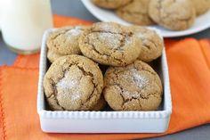 Pumpkin Gingersnap Cookie Recipe from twopeasandtheirpod.com #recipe No Bake Desserts, Cookie Desserts, Dessert Recipes, Cookie Recipes, Yummy Treats, Delicious Desserts, Delicious Cookies, Pumpkin Cookies, Pumpkin Dip