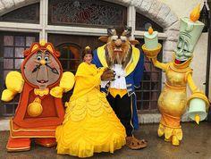Meeting Disney's Beauty and the Beast characters! (by Disney-Me) Disney Dream, Disney Love, Disney Magic, Disney Pixar, Walt Disney, Disney Cosplay, Disney Costumes, Disney World Characters, Cute Disney Pictures