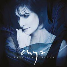 Après 7 ans d'absence, Enya, la chanteuse d'origine irlandaise, revient avec un nouvel album, Dark Sky Island. Un disque qui sera dans les bacs le 20 novembre 2015. Le premier extrait, Echoes in rain, nous replonge directement dans l'univers de la ch...