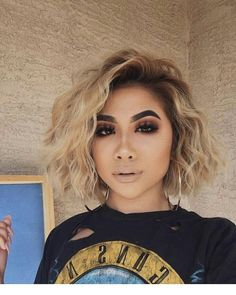 Shop our online store for blonde hair wigs for women.Best Lace Frontal Hair Blonde Wigs Beyonce Blonde Bob Wig From Our Wigs Shops,Buy The Wig Now With Big Discount. Wavy Hair, New Hair, Short Blonde Curly Hair, Crimped Hair, Hair Bangs, Ombre Hair, Brünetter Pixie, Beyonce Blonde, Beyonce Short Hair