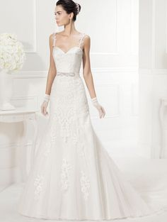 Spaghetti strap wedding dress. Barbara Rossi · White · Abito da sposa  sirena in pizzo Adriana Alier Rosa Clara  ... d4020991c77