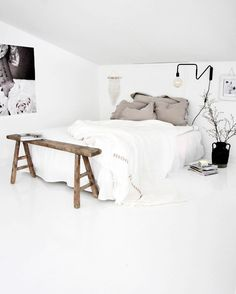 The fiance has agreed we can whitewash all our floors, see ya later orangey pine floorboards bedroom inspo from White Bedroom, Dream Bedroom, Master Bedroom, Modern Interior Design, Interior Design Living Room, Interior Livingroom, Design Bedroom, Kitchen Interior, Bedroom Inspo