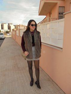 CHALECO PELO - Temporada: Otoño-Invierno - Tags: chaleco, chic,  - Descripción: Look con chaleco de pelo  #FashionOlé