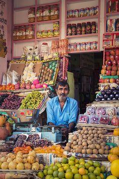 A shopkeeper from Bikaner. Sri Lanka, Tante Emma Laden, North India, India Asia, Comida India, India Street, Backpacking India, Taj Mahal, Indian Colours