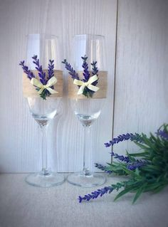 Items similar to Rustic Wedding Champagne Glasses Lavender Toasting Flutes gift on Etsy – The Best Ideas Wedding Champagne Flutes, Wedding Glasses, Champagne Glasses, Wedding Groom, Wedding Table, Rustic Wedding, Bride Groom, Wedding Bands, Bride And Groom Glasses