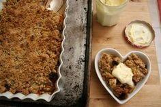 "Sunday Brunch: Pear Cranberry Crisp | Serious Eats: Recipes - Mobile Beta!"""