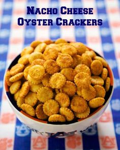 Nacho Cheese Oyster Crackers - Doritos Cracker Bites - great for snacking or in soups and chili! Oyster crackers coated in taco seasoning and cheese. Ready to eat in 15 minutes! Everyone loves this easy snack recipe! Oyster Cracker Snack, Seasoned Oyster Crackers, Seasoned Saltine Crackers, Snack Mix Recipes, Tailgating Recipes, Cooking Recipes, Snack Mixes, Appetizer Recipes, Sushi Recipes