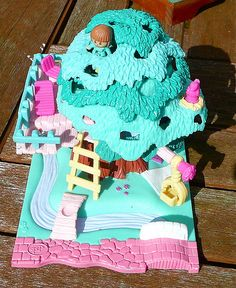 Polly Pockets! - http://www.tutorfrog.com/polly-pockets-2/  #Toys #cooltoys