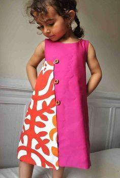 two toned dress - PDF pattern The magical wrap dress to por ManiMina en Etsy - make adult size Little Dresses, Little Girl Dresses, Cute Dresses, Girls Dresses, Clothing Patterns, Dress Patterns, Kids Clothing, Apron Patterns, Kids Patterns