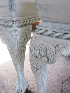 Annie Sloan chalk paint....have to try this...love the look/color by kathleen
