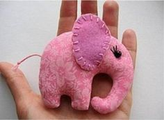 Elefante em tecido e feltro - Vale o Clique!
