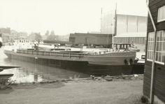 Bij Scheepswerf van Duivendijk, Krimpen a/d IJssel NANTILA  http://vervlogentijden.blogspot.nl/2015/04/elke-dag-een-nederlands-schip-uit-het_8.html