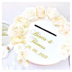 Urne fleuri 🌸🌸✨✨✨ #urne#urnemariage#mariage#mariagechampetre#cadeau#cadeaumariage#fleur#fleury#deco#decoration#decorations#wedding#weddingdecor#weddingday#flowers#flower#flowerstagram#gift#giftideas#giftbox#söz#sozumuz#decor#babyshower#batheme#diy#diycrafts#diyprojects Giftbox, Fleury, Girls Out, Wedding Decorations, Diy, Place Card Holders, Make It Yourself, Flowers, Weddings
