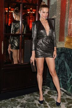 Petra Němcová, lived up to her supermodel status as she arrived at the Redemption Autumn Winter show during Haute Couture Week in Paris on Monday. Seductive Women, Sexy Women, Petra Nemcova, Couture Week, Beautiful Legs, Beautiful Women, Celebrity Pictures, Sexy Legs, Short Skirts