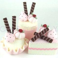 CAKE DESSERT SET 3 Strawberry And Chocolate Wafer Sticks Felt Cakes cakepins.com