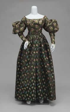 1825-1830 American Dress at the Museum of Fine Arts, Boston - Patterned fabrics were really popular in the Romantic era of fashion.  While the textile here is original to the period, a number of dresses were made by converting 18th century printed gowns.