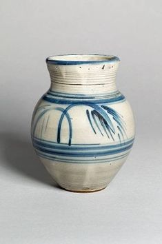 studio pottery and contemporary ceramics Earthenware, Stoneware, English Pottery, Simple Minds, West Africa, Pottery Ideas, Cornwall, Ceramic Art, Contemporary
