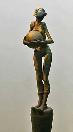 brown - woman - figurative sculpture - Dirk de Keyzer
