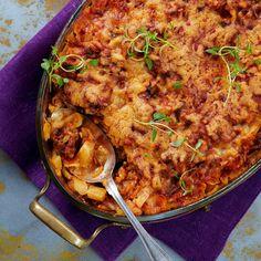 Gruusialaisessa kaalilaatikossa maistuvat reilusti tomaatti ja mausteet. Laatikkoa kannattaa valmistaa kerralla reilu annos.