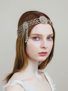 Wow! What a statement this Swarovski crystal Jennifer Behr Sophie Drape Headwrap would make in your bridal hair! With colors such as jet, crystal gunmetal and crystal antique gold we have the right color to help you stand out on your wedding day!