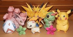 Ik ben opgegroeid met Pokemon en hou er nog steeds van. Buiten mijn verzameling ben ik sinds augustus 2013 dus ook bezig met modellen gemaakt uit papier. Ik heb toen een site gevonden waarop z