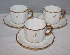 Royal Crown Derby - 3 tazas y platillos x monograma - Surrey Blanco / dorada…