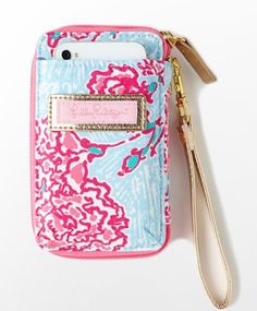 Lilly Pulitzer wristlet. WANT WANT WANT. http://www.lillypulitzer.com/product/entity/4252.uts?keyword=wallet=Skye+Blue+Pi+Beta+Phi