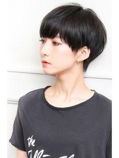 【Short 166】宮内博貴 Asian Short Hair, Girl Short Hair, Short Hair Cuts, Mushroom Haircut, Short Hair Designs, Androgynous Haircut, Kpop Hair, Shot Hair Styles, Hair Blog